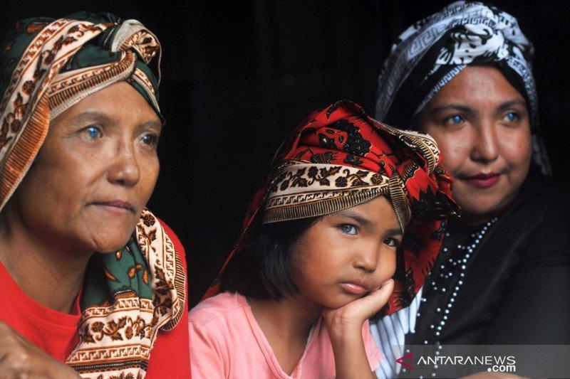 Kisah orang-orang bermata biru dari Ranah Minang (1)