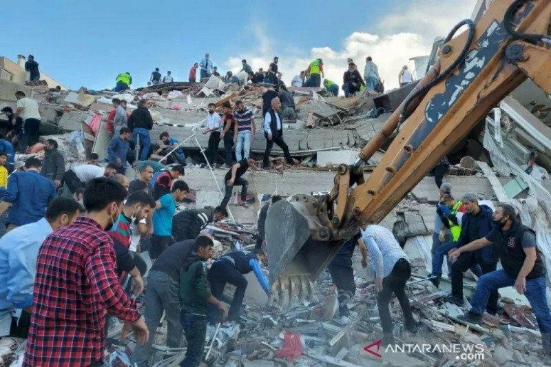 Belasan korban tewas,  gempa Turki dan kepulauan Yunani