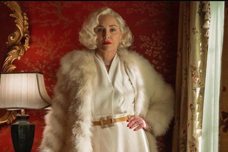 Kisah artis Hollywood Sharon Stone tentang akting hingga titik balik kehidupan