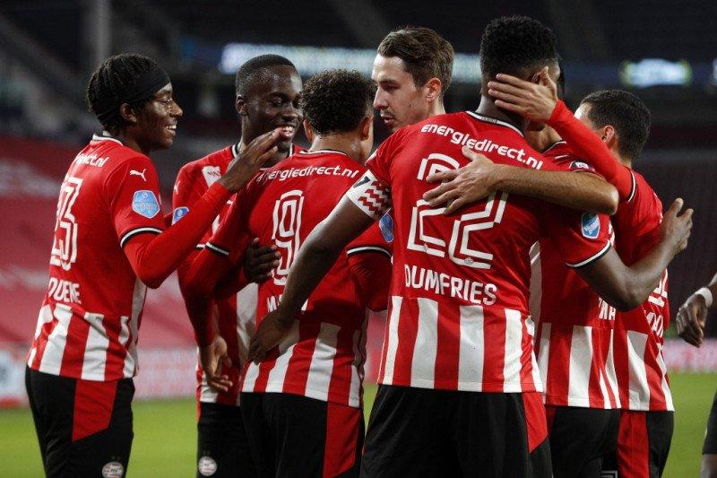 PSV Eindhoven gasak 10 pemain Willem II dengan skore 3-0