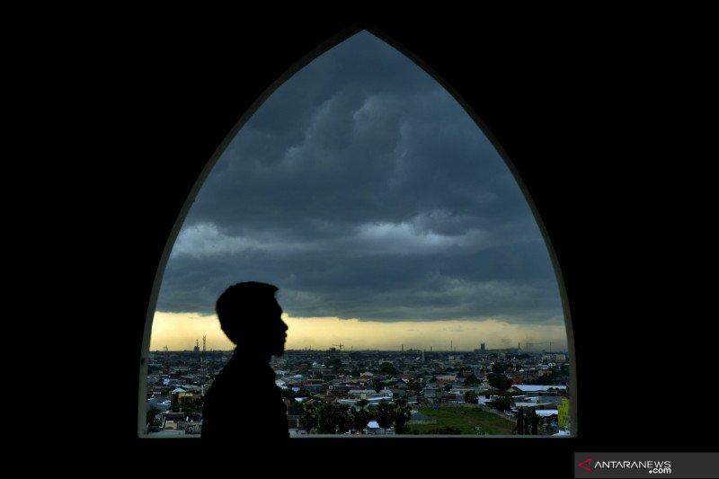BMKG prakirakan Makassar dan mayoritas daerah diguyur hujan