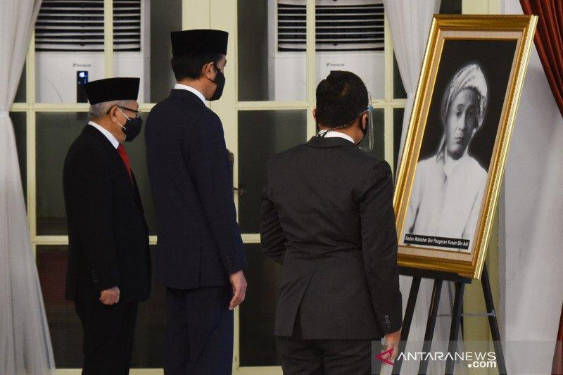 Enam tokoh menerima gelar pahlawan nasional dari Presiden Jokowi