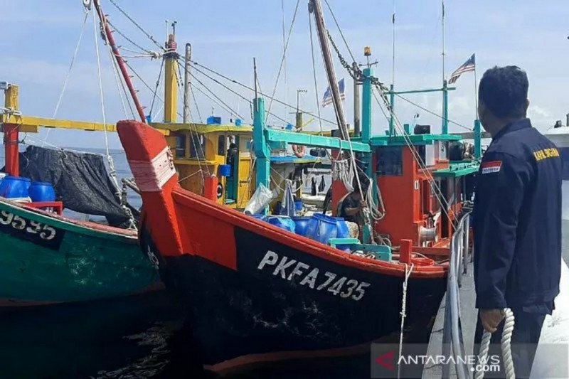 Kemarin, kapal Malaysia ditangkap hingga hoaks pesawat jatuh