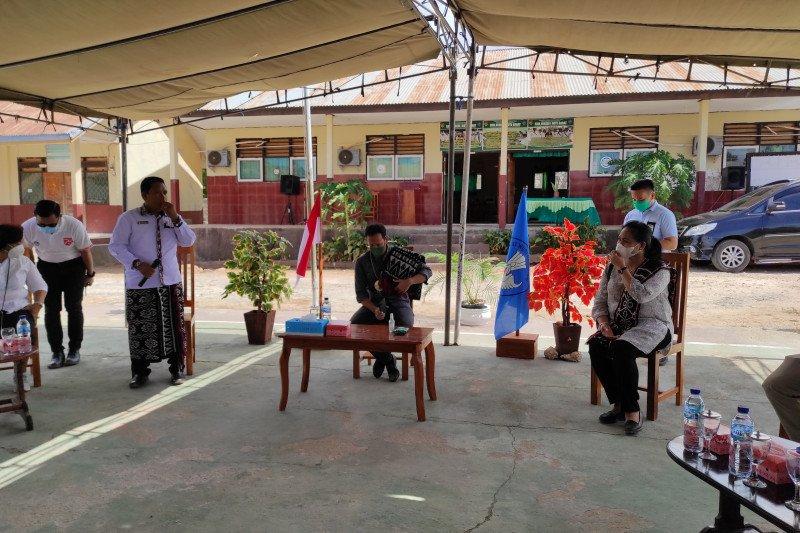 Nadiem : siswa tidak punya akses PJJ bisa belajar di sekolah