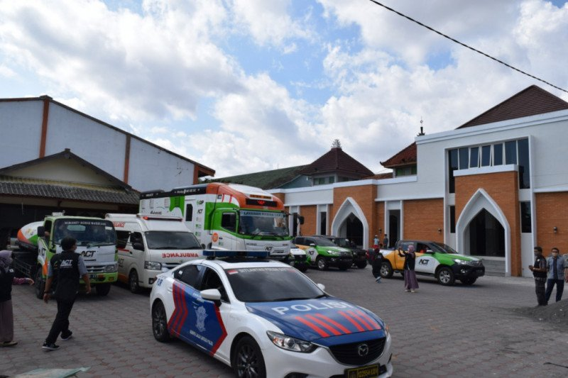 1.000 residents evacuated following Mount Merapi's heightened volcanic activities