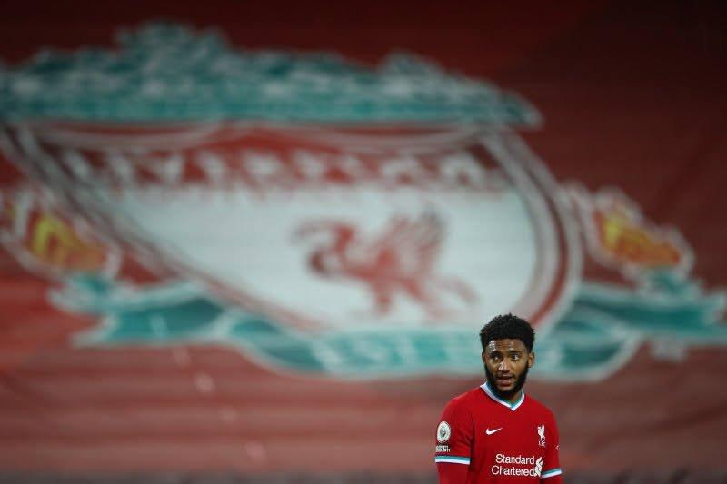 Krisis bek Liverpool makin parah setelah Joe Gomez alami cedera