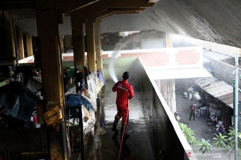Satpol PP DIY perketat prokes di Pasar Beringharjo cegah klaster COVID-19