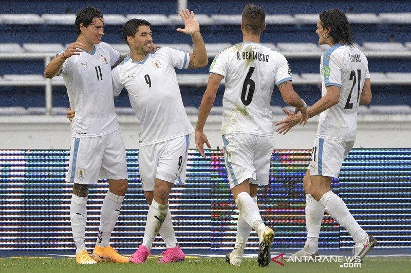 Cavani dan Suarez bantu Uruguay cukur Kolombia 3-0