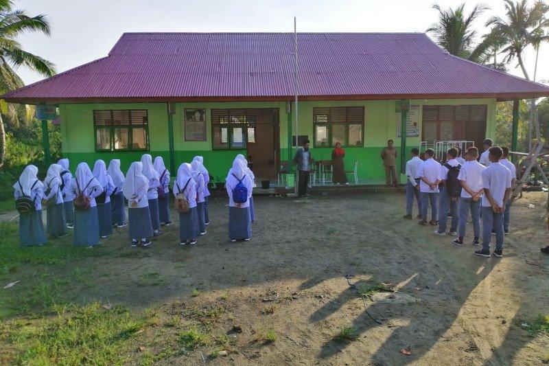 Membangun rumah ilmu di Bumi  Sikerei