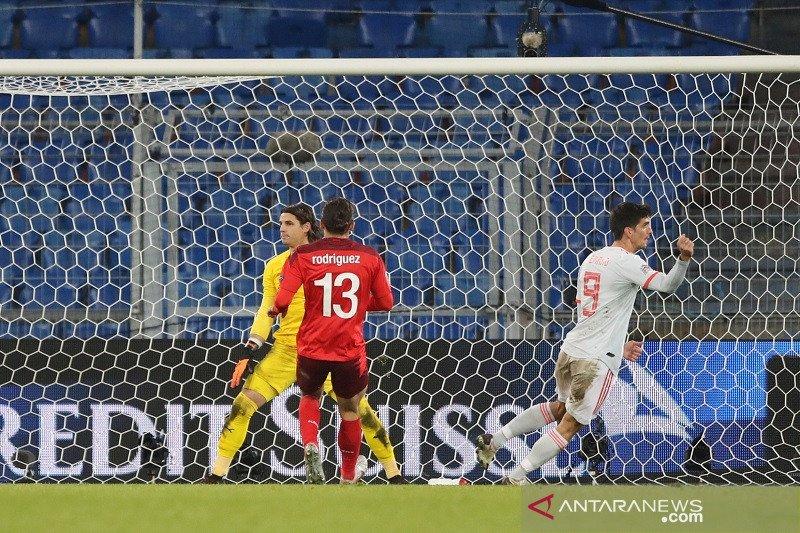 Spanyol imbangi Swiss 1-1
