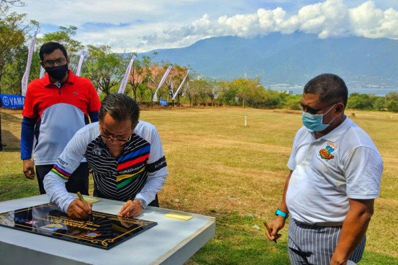 Gubernur Sulteng resmikan Driving Range Roviega Golf Palu