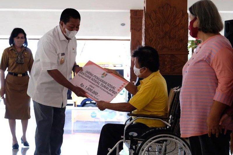 Pemkot Magelang serahkan bantuan JPS kepada 1.965 KPM