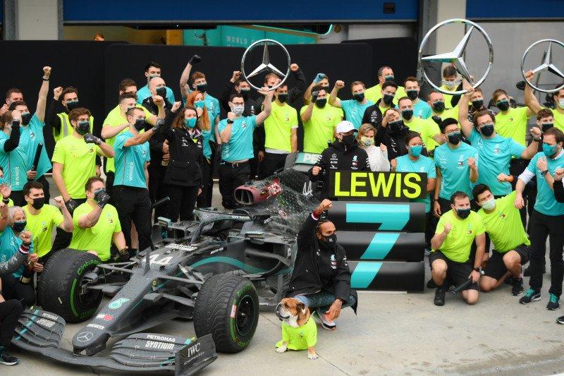 Rebut juara dunia ketujuh F1, Lewis Hamilton katakan perjuangan baru saja dimulai