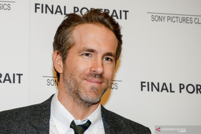 Aktor Ryan elangkah lagi akusisi klub divisi lima Inggris