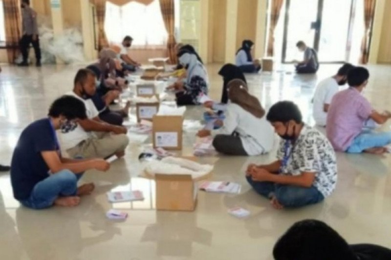 KPU Mamuju rekrut 80 orang untuk sortir surat suara pilkada