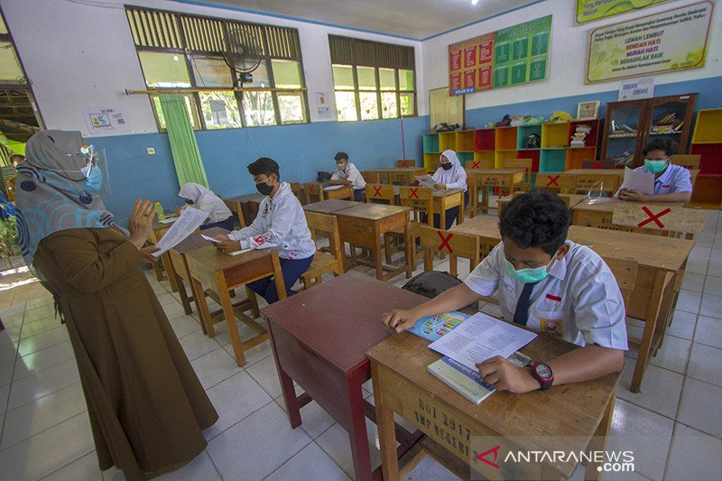 Disdik OKU supervisi dan evaluasi  sekolah satu atap