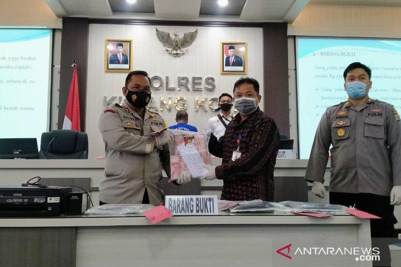 Polisi tangkap pengedar uang palsu senilai Rp354 juta di Kupang