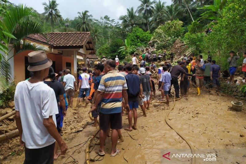 Tim SAR gabungan lanjutkan  pencarian korban longsor di Banyumas