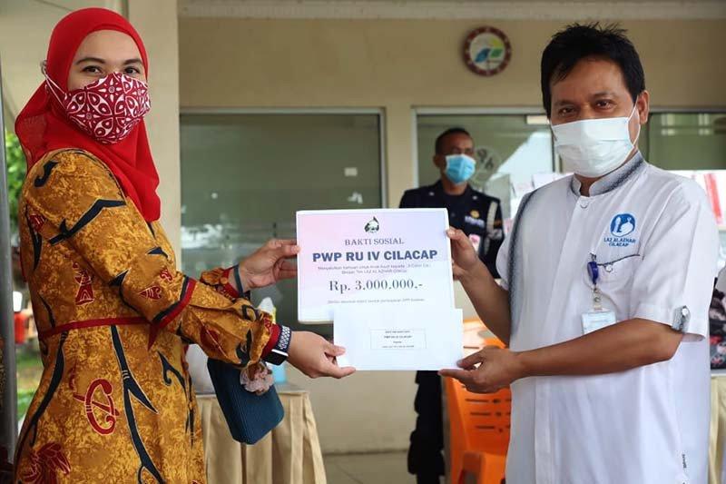 PWP Pertamina Cilacap berikan beasiswa bagi anak duafa