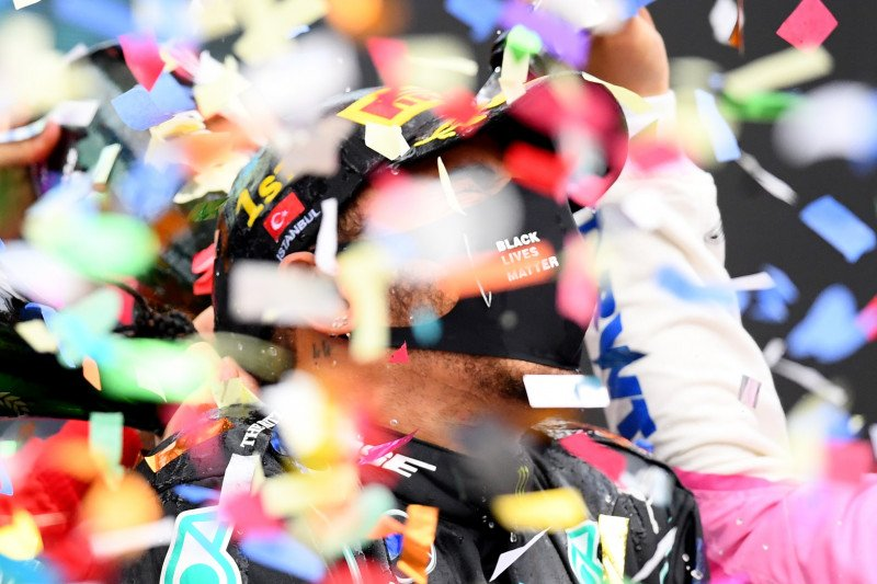 Tujuh titel, keberagaman dan masa depan Formula 1 di mata Lewis Hamilton