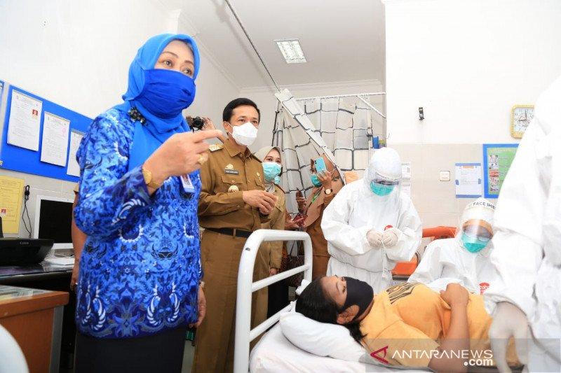 Kasus terkonfirmasi positif COVID-19 di Kota Makassar kembali melonjak