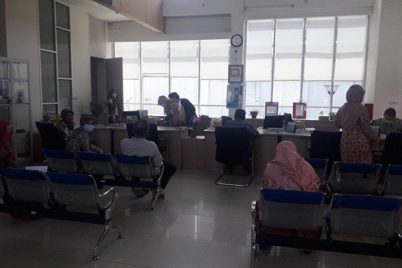 Bank Nagari Simpang Empat, Pasaman Barat temukan uang tidak layak edar senilai Rp345 juta