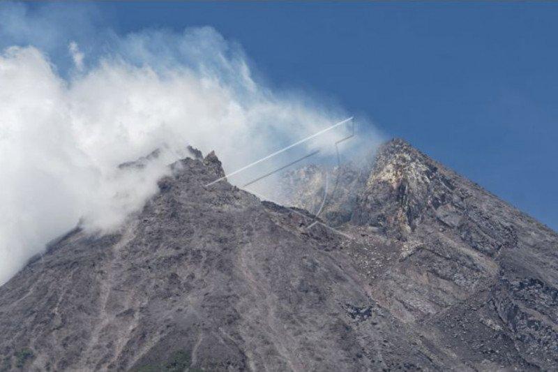 Magma masih bergerak menuju permukaan Gunung Merapi