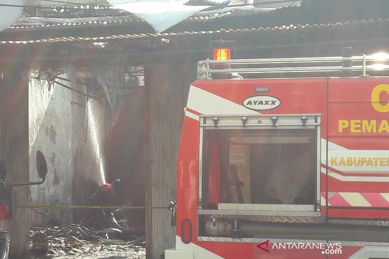 11 bangunan rumah dan toko di Temanggung ludes terbakar