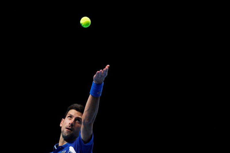 Menang mudah, Djokovic melenggang ke semifinal ATP Finals