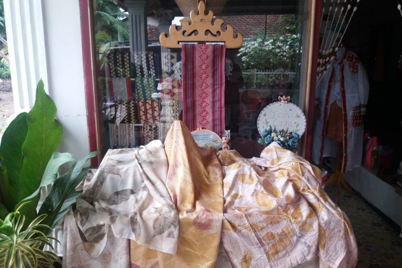 UMKM Lampung manfaatkan bahan ramah lingkungan buat kerajinan kain