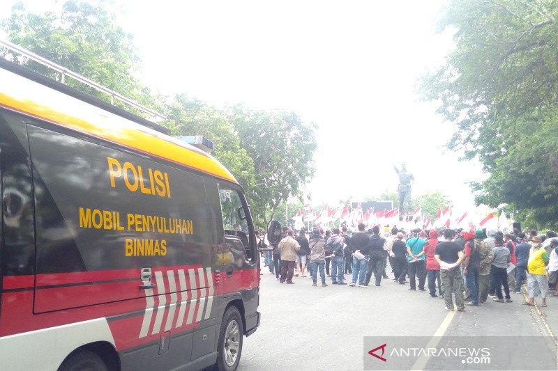 Ratusan orang aksi tolak HRS ke Solo, Polres bubarkan