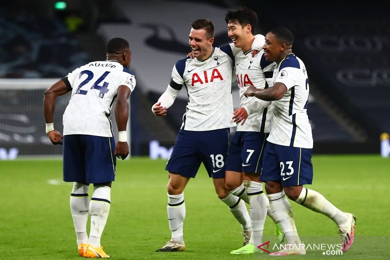 Tottenham duduki puncak klasemen usai  bungkam Manchester City