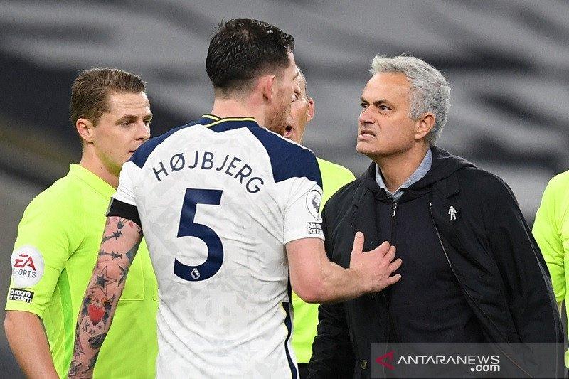Tottenham sementara duduki puncak klasemen Liga Inggris