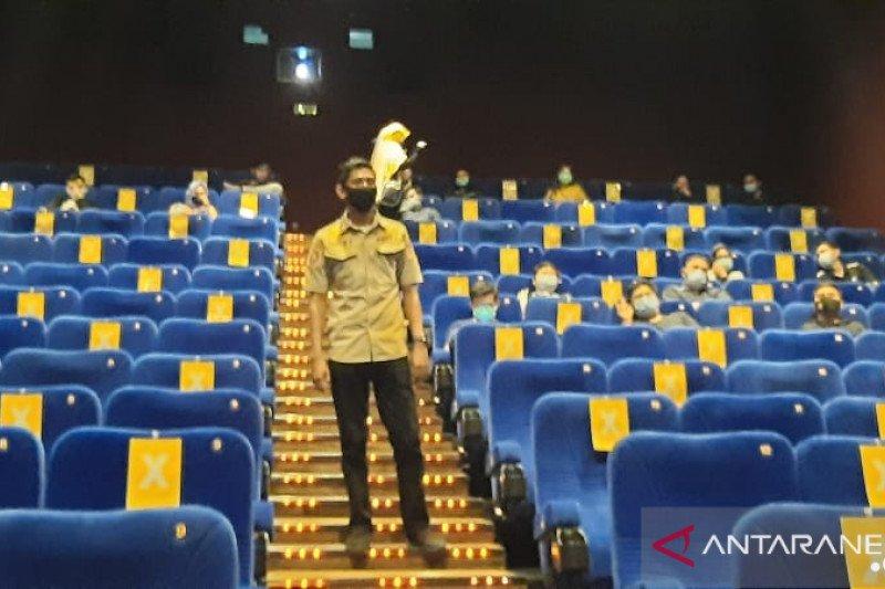Satpol PP Makassar ikut kawal pembukaan bioskop untuk cegah kerumunan