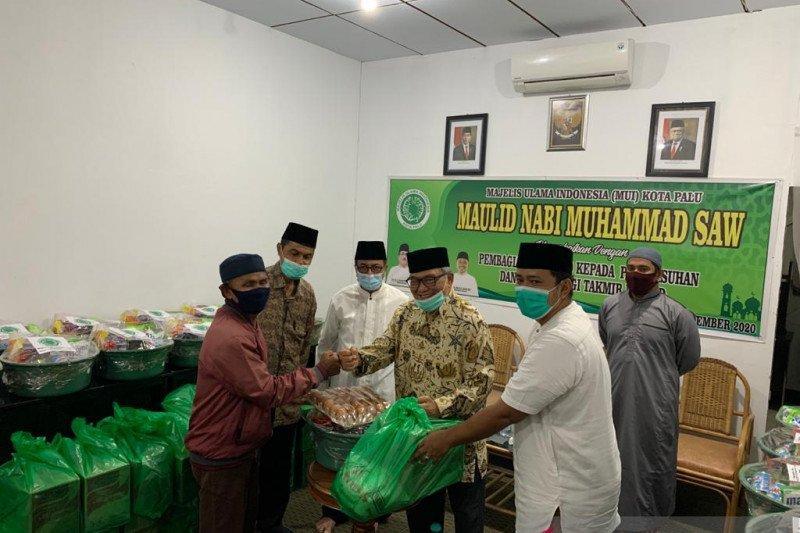 MUI Palu  salurkan sembako dan masker bagi takmir masjid