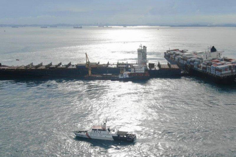Kapal rute Singapura-Jakarta kandas di perairan Batu Berhenti Batam