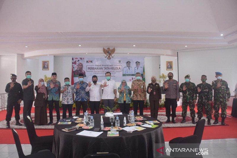 KPK berharap berharap Kota Padang Panjang menjadi lebih baik di bawah kepemimpinan Fadly Amran- Asrul