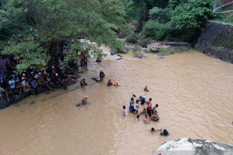 Dua remaja di Sukabumi tenggelam, satu diantaranya ditemukan meninggal