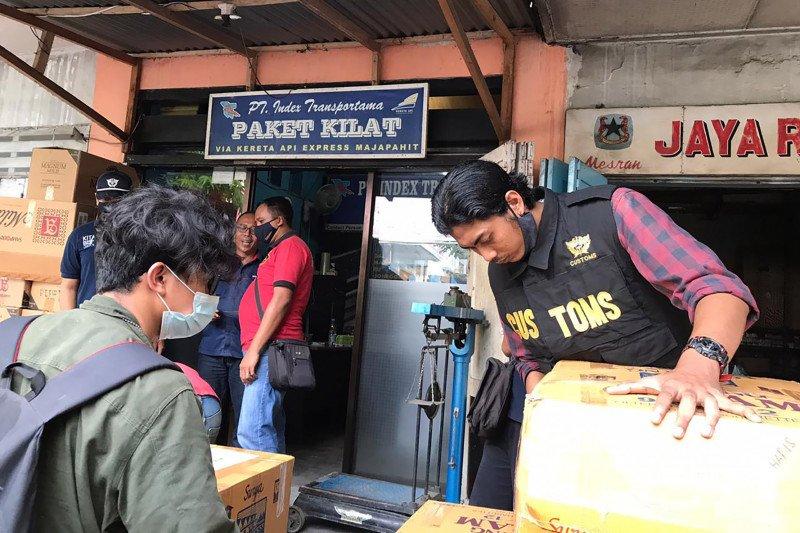 Kantor Bea Cukai Jatim 2 sita ratusan ribu batang rokok ilegal