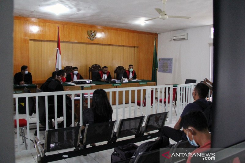 Hakim gugurkan tuntutan terhadap almarhum Eko Suharjo