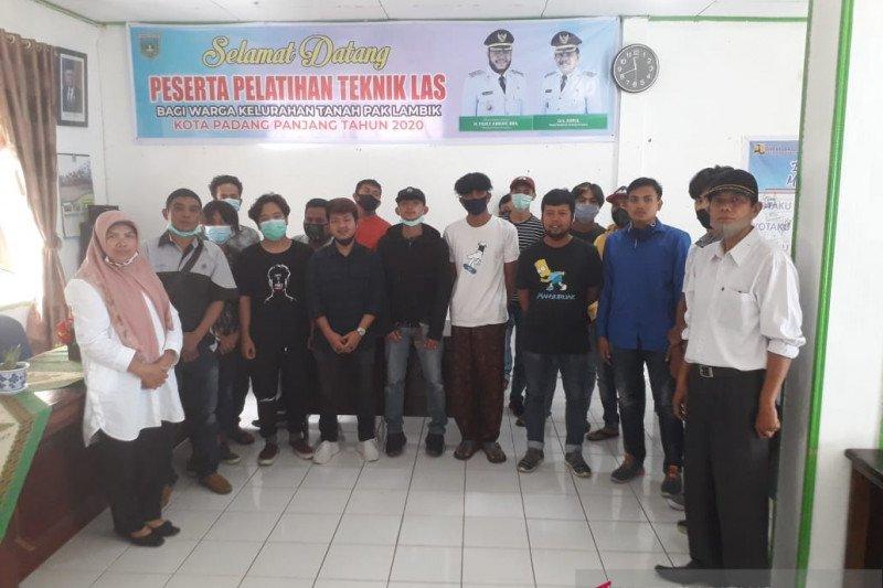 Remaja TPL Padang Panjang mengikuti pelatihan teknik las
