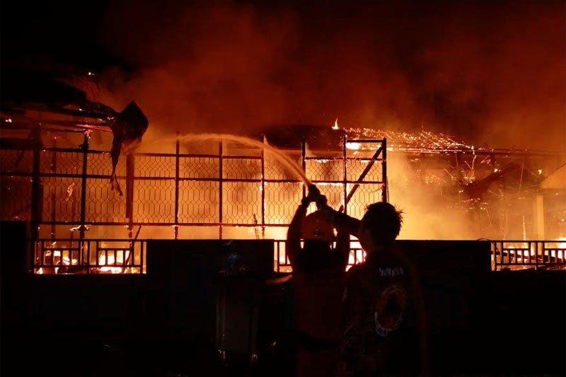 SDN 4 Melayu  dan rumah di Muara Teweh ludes terbakar