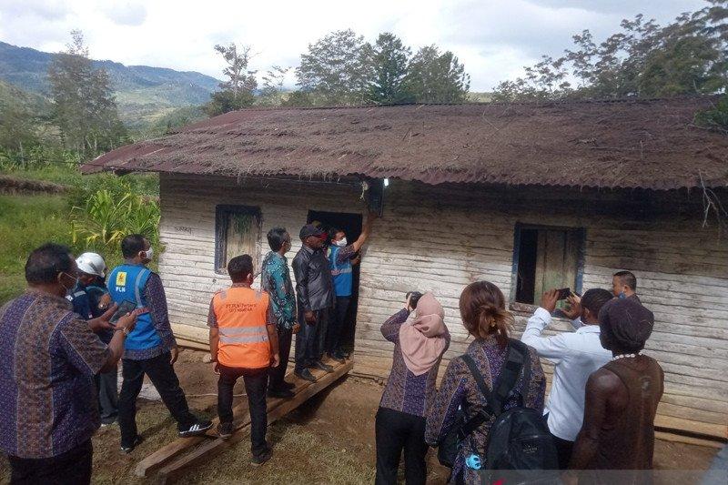 PLN meluncurkan listrik gratis untuk 500 keluarga di Jayawijaya