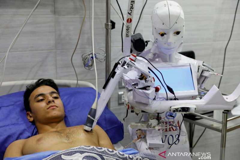 Menkes Jepang incar penggunaan robot untuk tingkatkan uji COVID-19