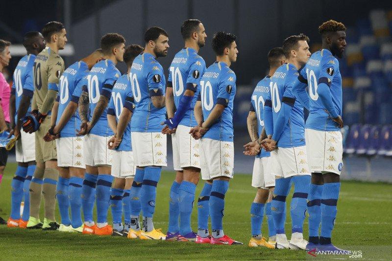 Kenang Diego Maradona, pemain Napoli kenakan Jersey nomor 10