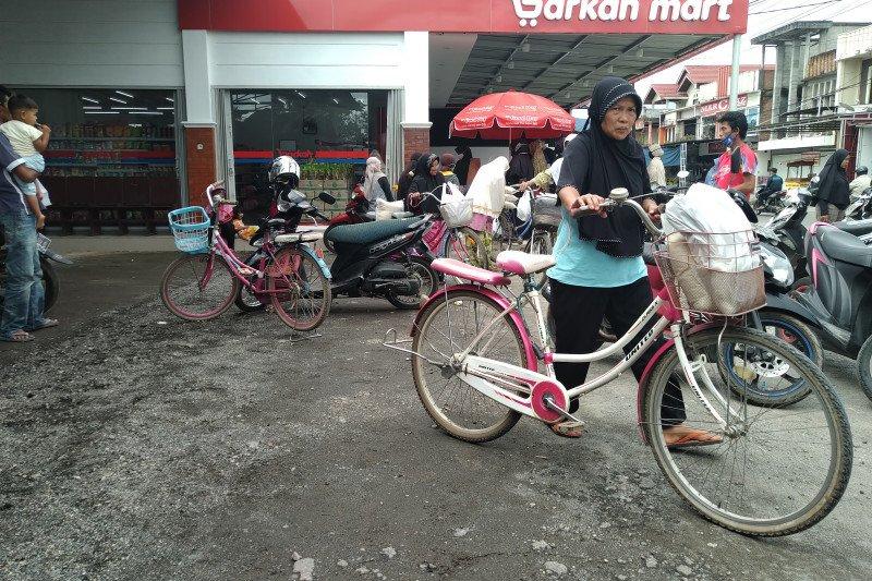 Minimarket di Payakumbuh ini bagikan keuntungan kepada masyarakat kurang mampu