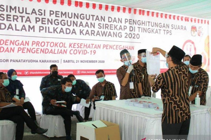 Pjs Bupati Karawang mengajak warga dan penyelenggara Pilkada patuhi prokes