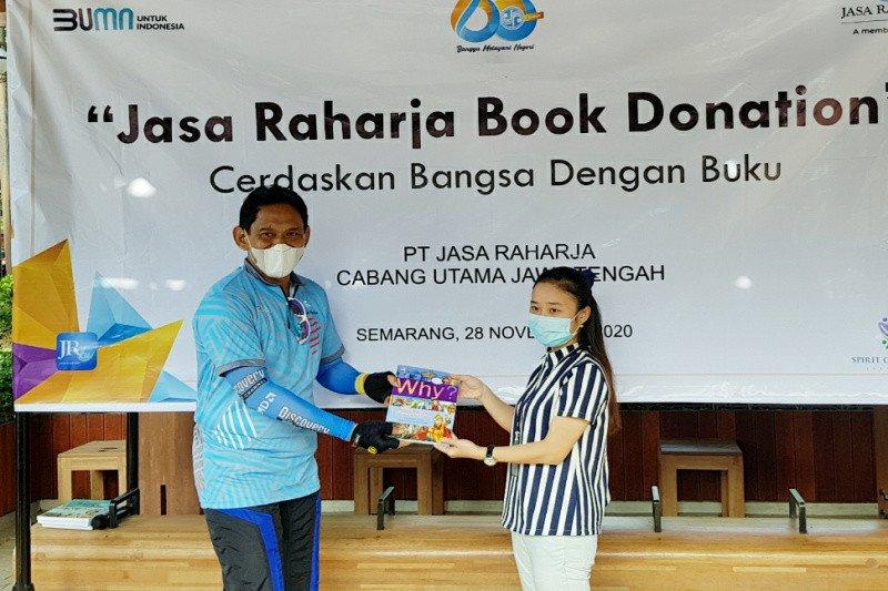 Rangkaian HUT, Jasa Raharja donasikan buku