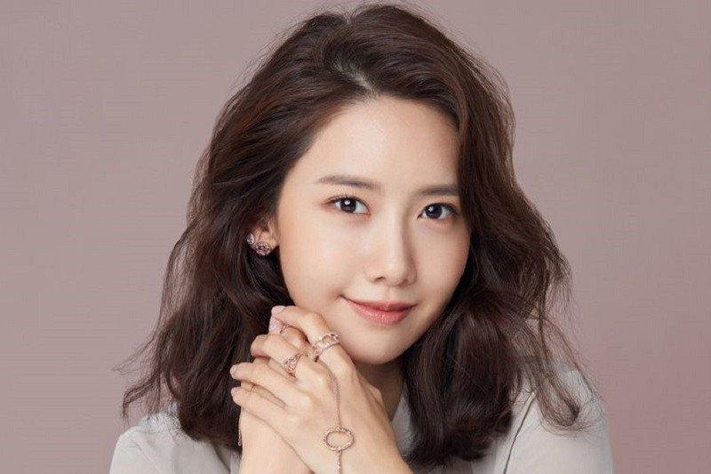 YoonA Girls' Generation telah buka saluran YouTube