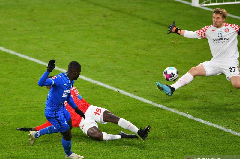 Hoffenheim bangkit dari ketertinggalan menahan imbang Mainz 1-1